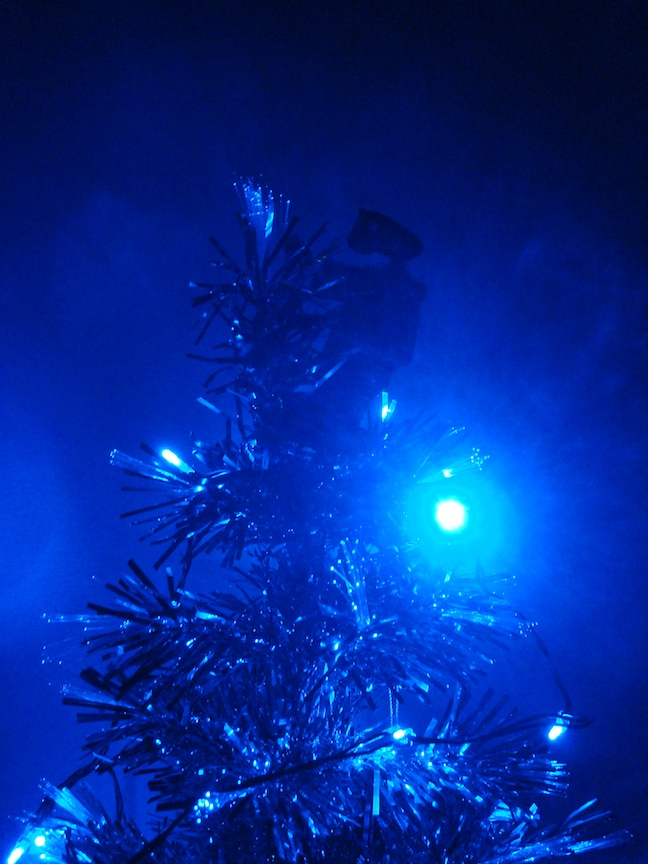 shadowy blue LED ET